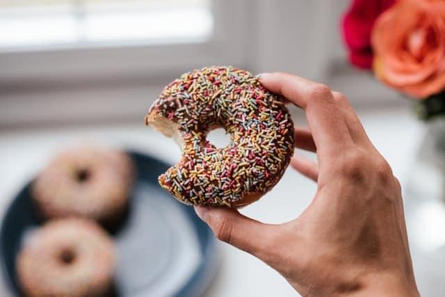 Słodycze a dieta – czy trzeba je eliminować?