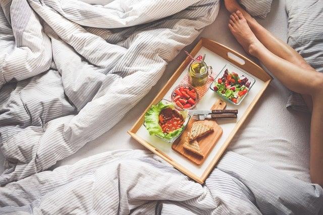 Czy rzeczywiście nie powinno się jeść przed snem?
