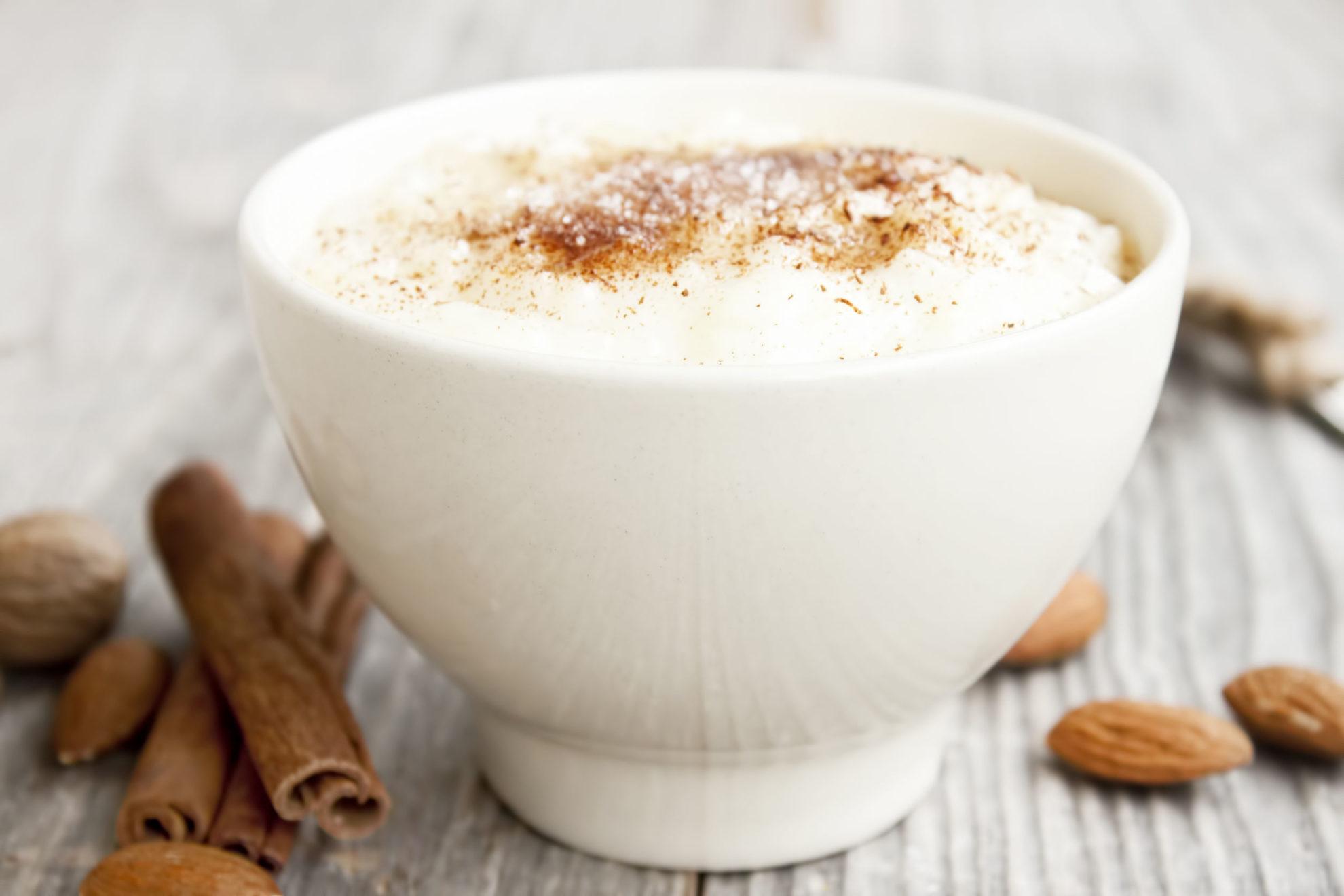 Domowy budyń z mąki pełnoziarnistej: przepis