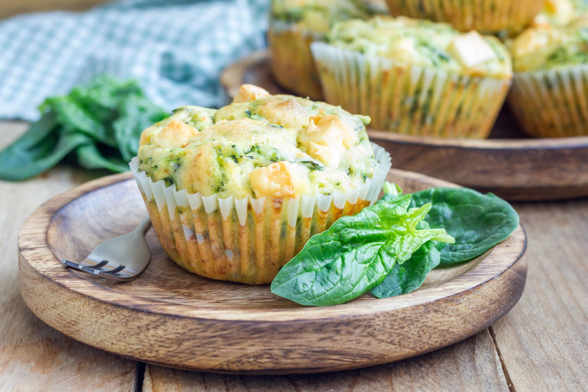 Szpinakowe muffinki. Przepis na dietetyczne babeczki