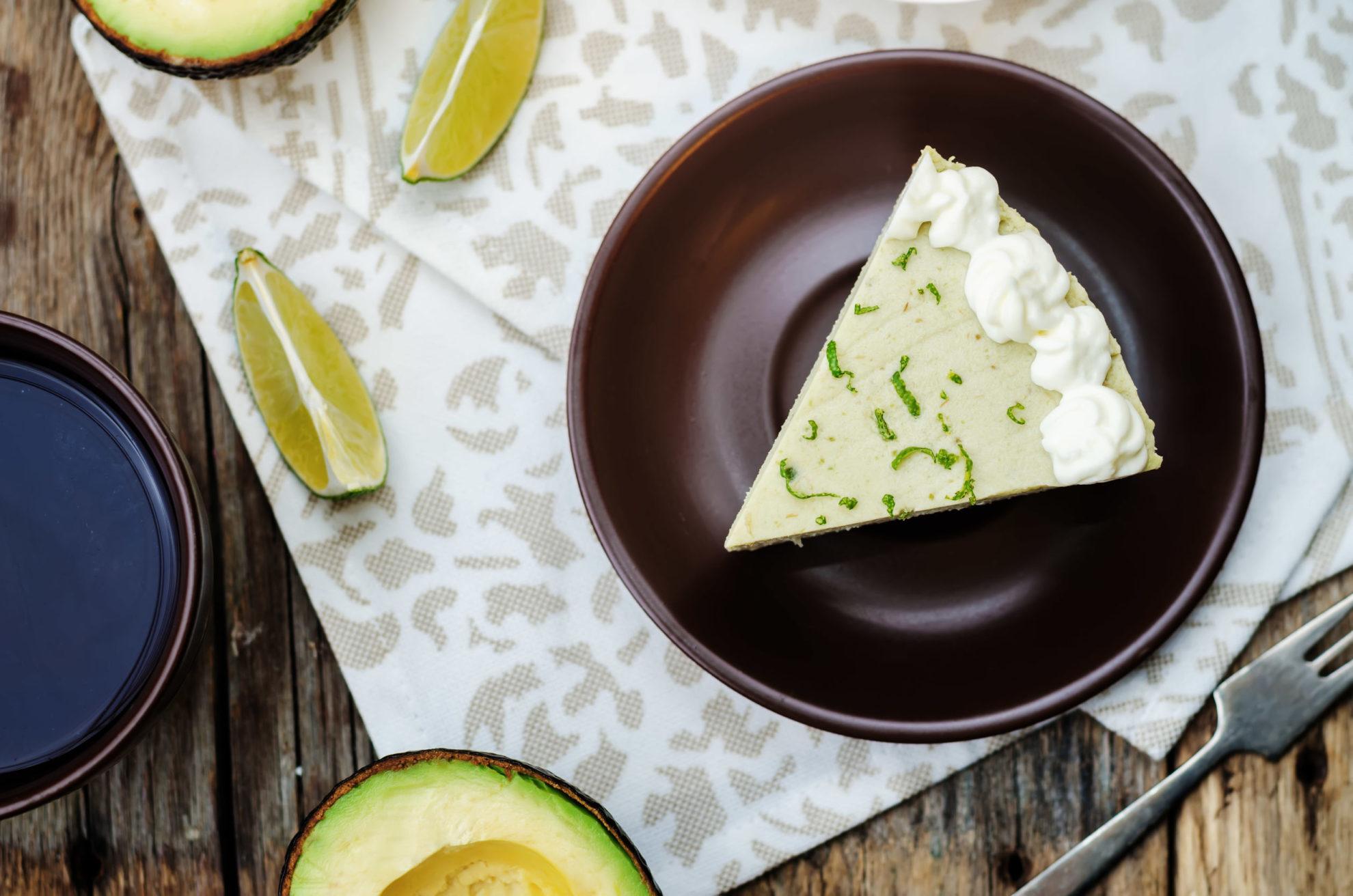 Dietetyczny sernik imbirowo-limonkowy. Przepis i wartości odżywcze