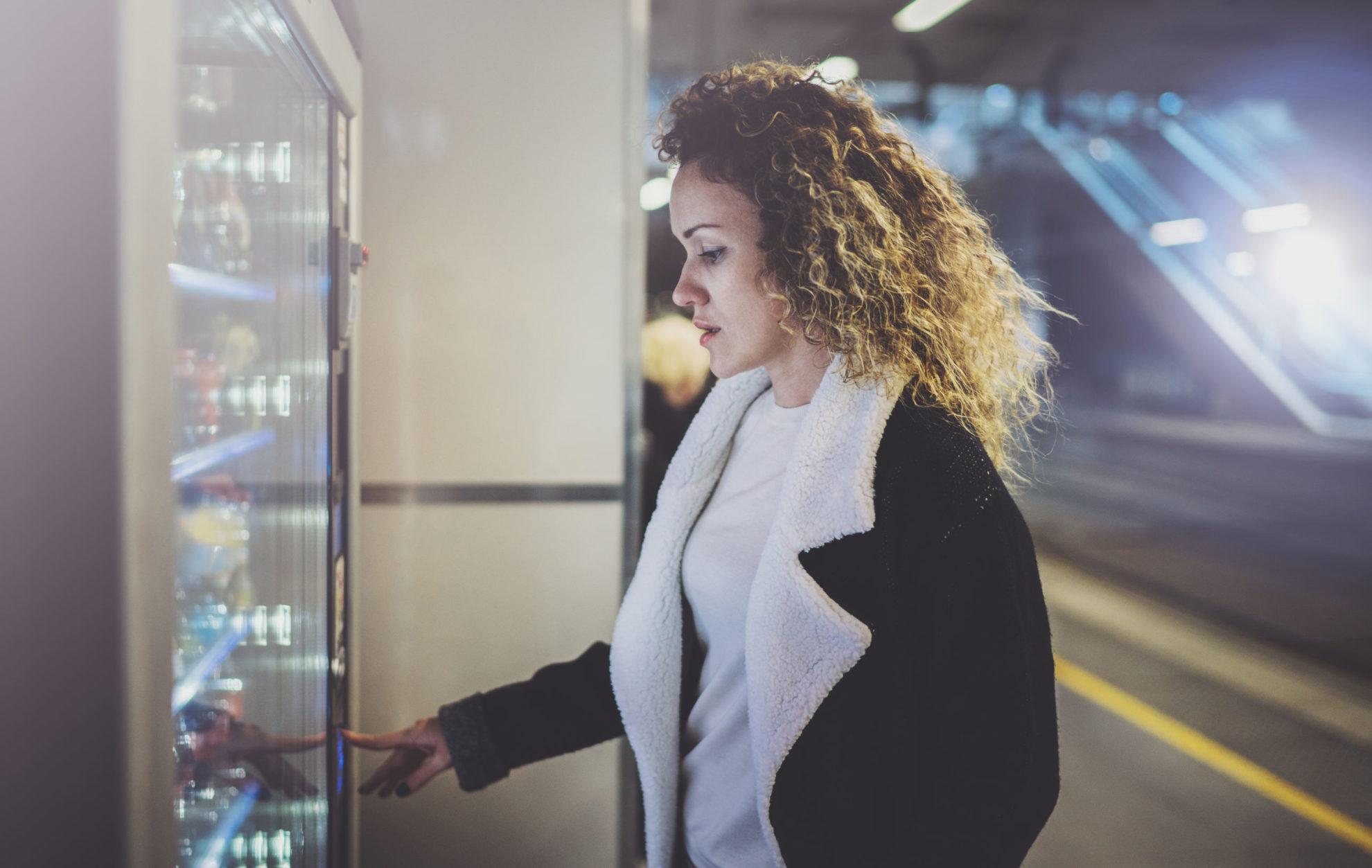 Dlaczego jedzenie z automatu jest niezdrowe?