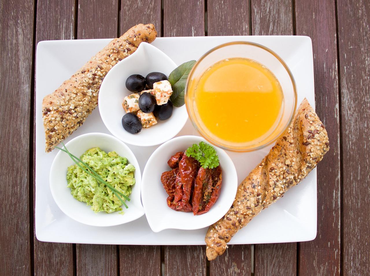 Smaczny catering dietetyczny — czy zdrowo może oznaczać smacznie?
