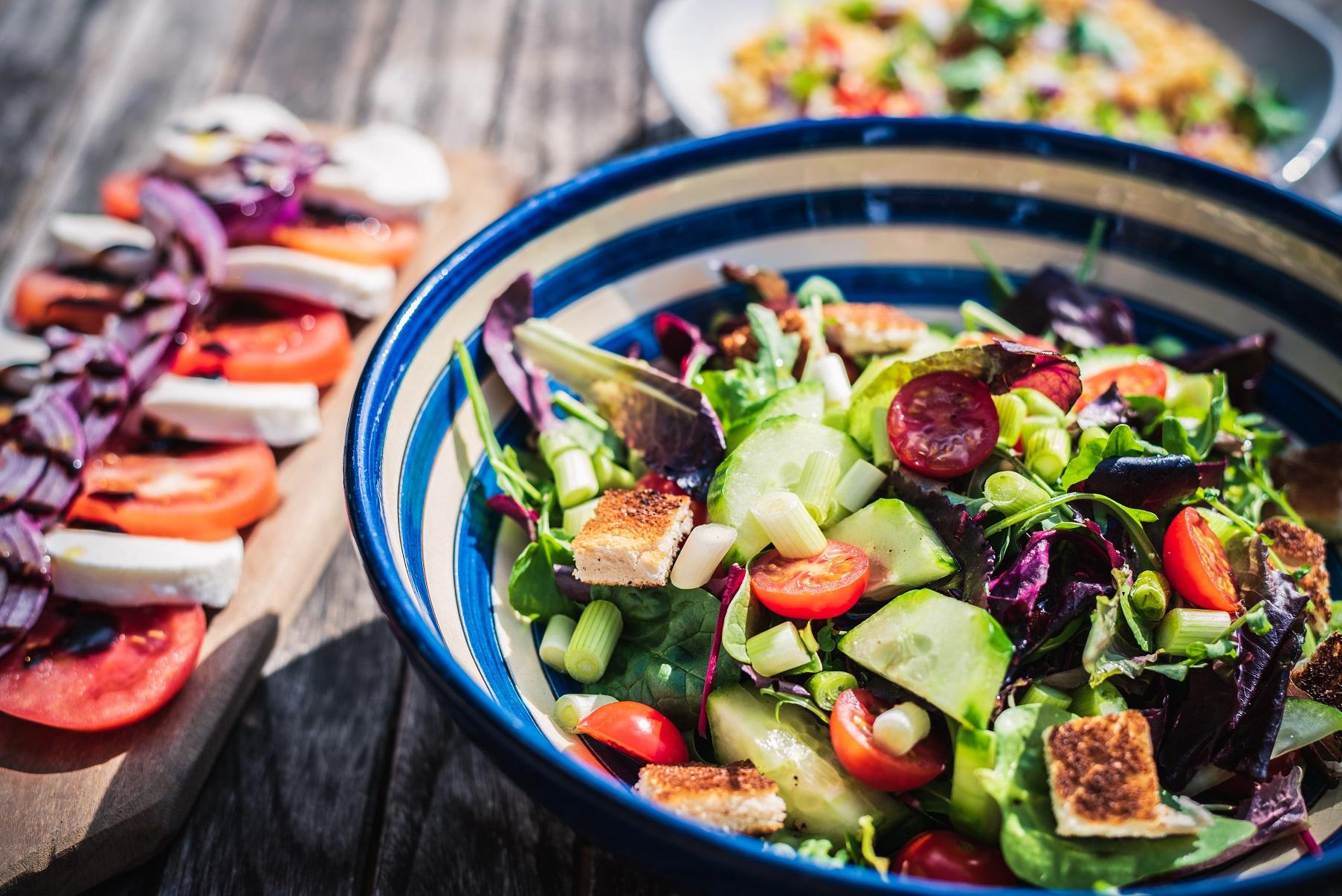 Dowiedz się, co jeść w lecie jeśli brakuje Ci apetytu