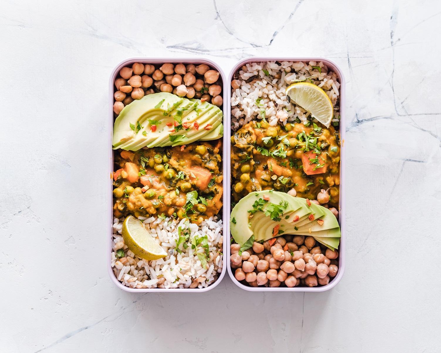 Sprawdź, jak powinno wyglądać zdrowe odżywianie w podróży