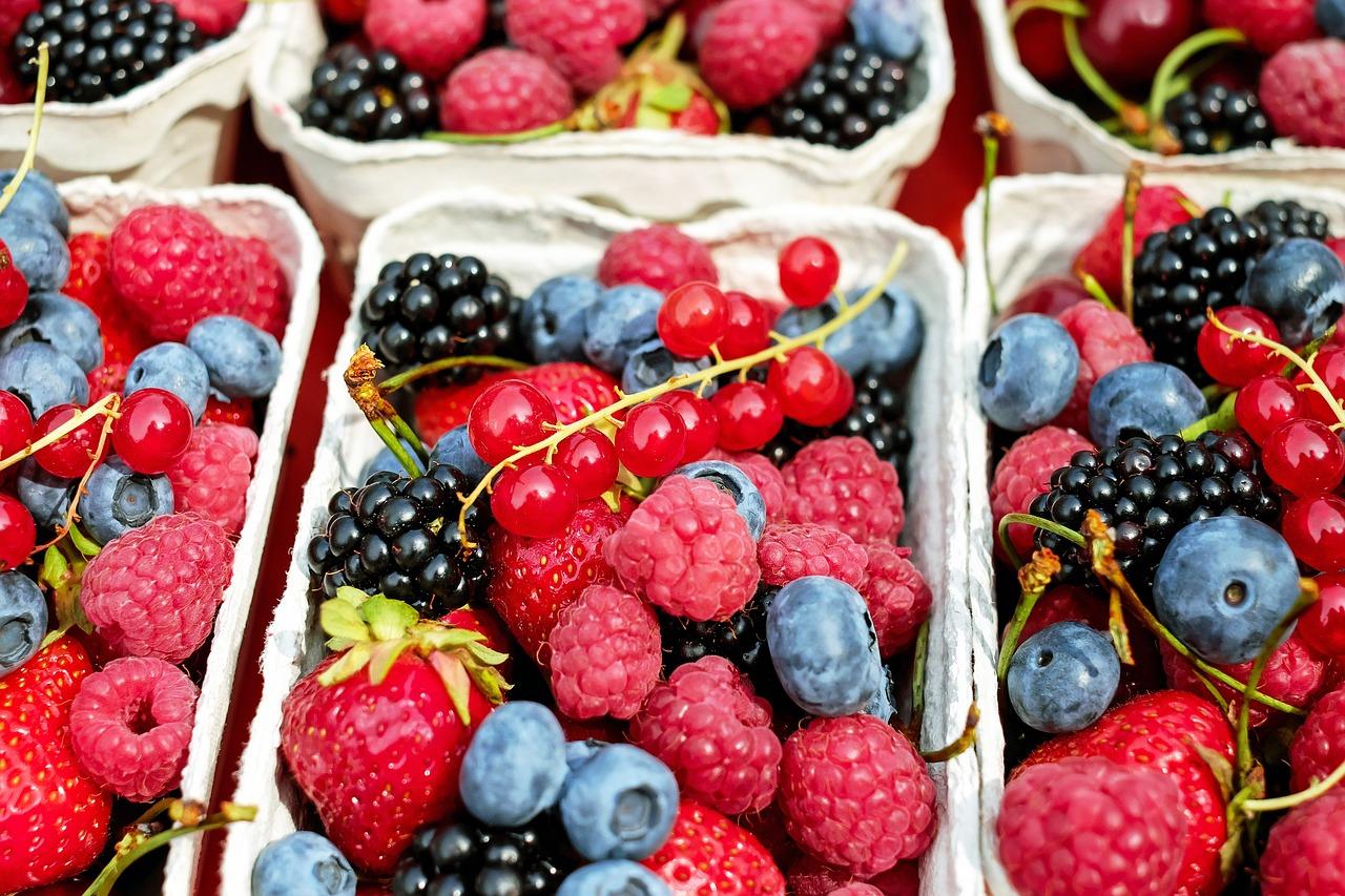 Jak uzupełnić niedobory witamin będąc na diecie i trenując?