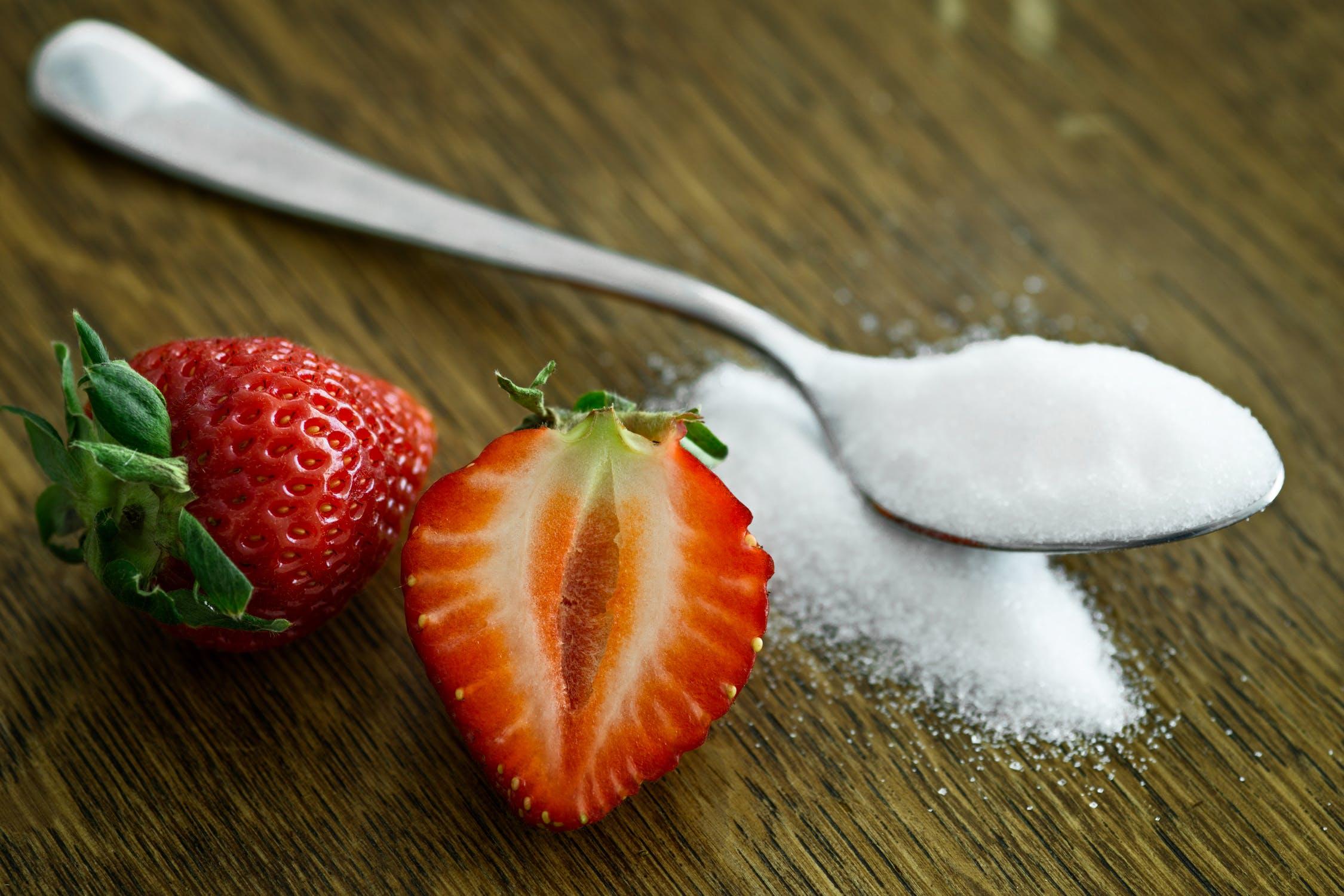 Czym grozi nadmierne spożywanie cukru?